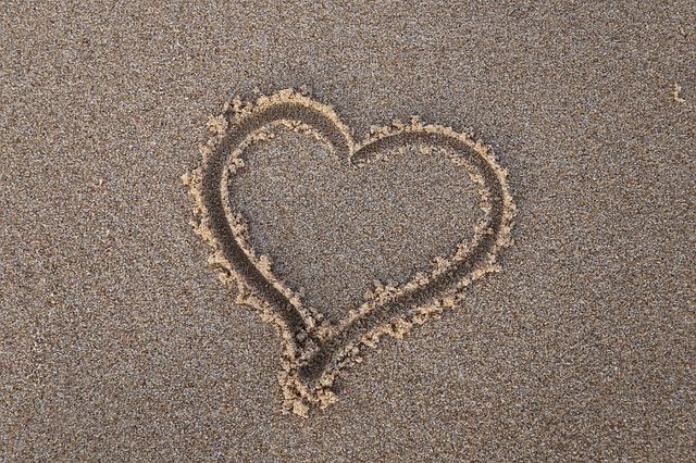 heart-2925103_640